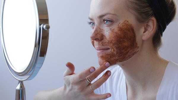 DIY-face-scrub-via-missysue