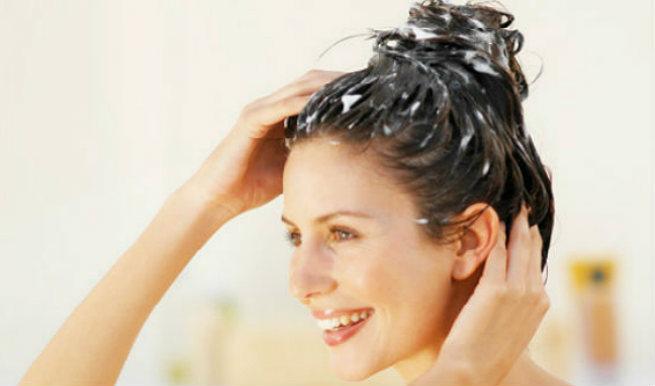 baking-soda-dandruff-hair-loss-2