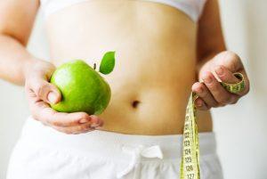 woman-apple-dieting