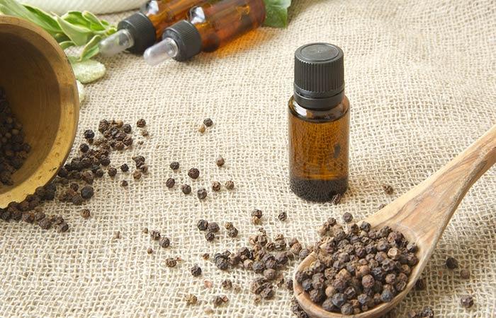 b-Black-Pepper-Essential-Oil-For-Vitiligo