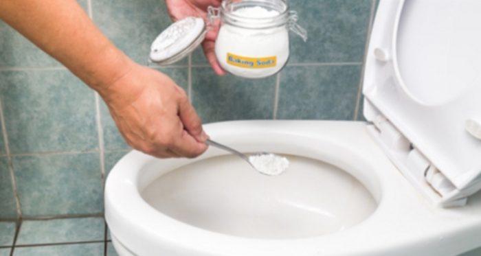 Toilet and Baking Soda