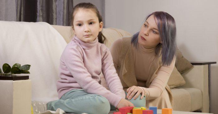"""မိဘတိုင္းသိထားသင့္တဲ့ """"Autism"""" ရဲ့ ကနဦးလကၡဏာရပ္ေတြ"""