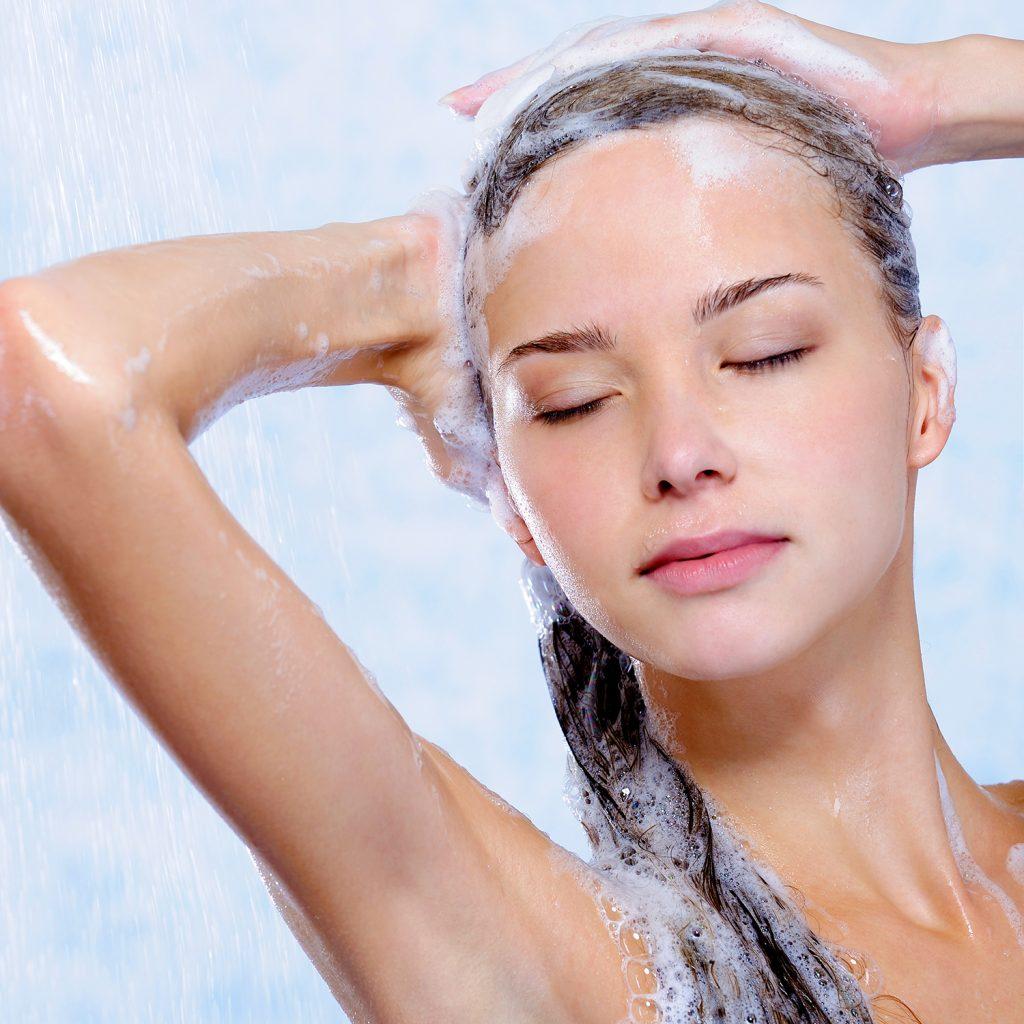 Как быстро смыть краску с волос в домашних условиях? Чем 95