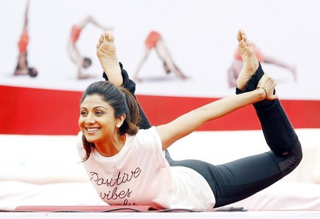 အသက် (၄၀) ကျော်အရွယ် ဘောလိဝုဒ်မင်းသမီး Shilpa Shetty ရဲ့ အလှပလျှို့ဝှက်ချက်