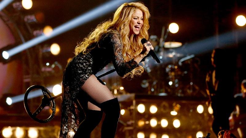အသံအခက္အခဲေၾကာင့္ ၂၀၁၈ ခုႏွစ္အထိ သူမရဲ႕ ရိႈးပြဲကို ရပ္ဆိုင္းထားလိုက္ရတဲ့ Shakira