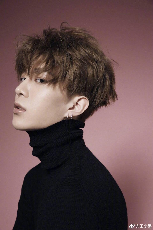 Idol အဖြဲ႕တစ္ဖြဲ႕အတြက္ Training ဆင္းေနတယ္ဆိုတဲ့ သတင္းေၾကာင့္ နာမည္ေက်ာ္ေနတဲ့ Fan Bing Bing ရဲ႕ ေမာင္ေလး Fan Cheng Cheng