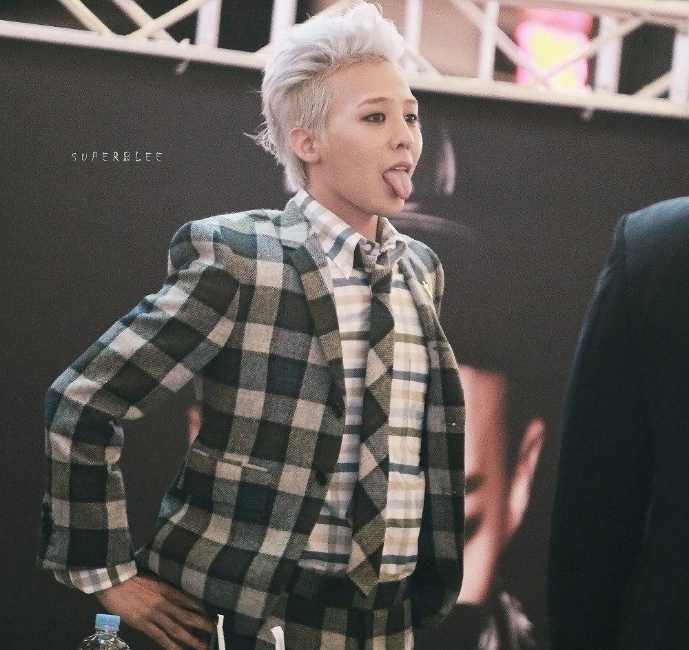 တျခားသူေတြထက္ ပိုၿပီးၾကည့္ေကာင္းေနေစဖို႔ G-Dragon ဝတ္ေလ့ရွိတဲ့ ဖက္ရွင္အမွတ္တံဆိပ္ (၇) မ်ိဳး