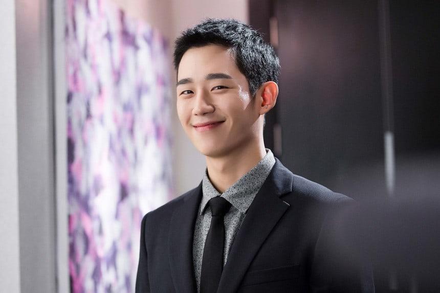 သင်မသိသေးတဲ့ သရုပ်ဆောင် Jung Hae In အကြောင်း (၈) ချက်