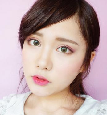 ခ်စ္စရာေကာင္းၿပီး ဆြဲေဆာင္မႈရွိတဲ့ Spring Eyes Makeup ကို ဘယ္လိုလိမ္းမလဲ