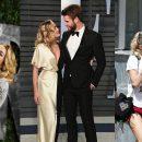 လိုက္ဖက္ၿပီးအတြဲညီတဲ့ Liam Hemsworth နဲ႔ Miley တို႔ရဲ႕ စံုတြဲပံုေလးေတြ