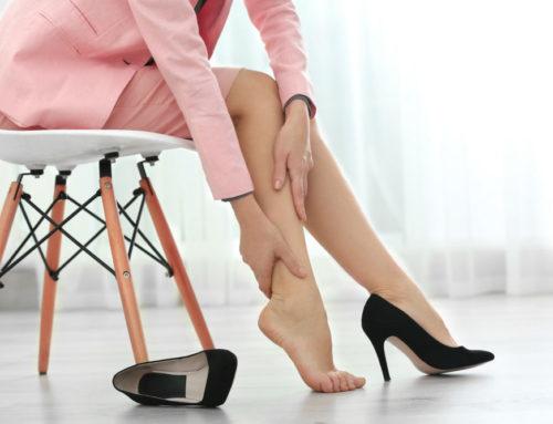 ဒေါက်ဖိနပ်စီးလို့ နာကျင်နေတဲ့ ခြေထောက်တစ်စုံအတွက် နည်းလမ်းများ
